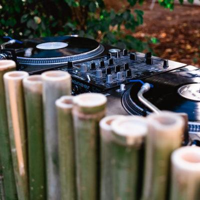 WK DJ & Events - DJ pour mariage et bar à vinyles en bambou pour cocktail